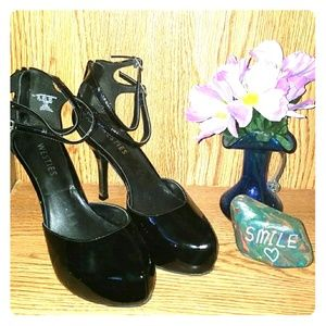 Westies black heels